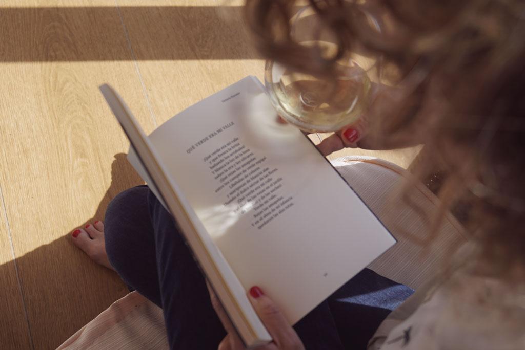 Libro de poemas. Diseño editorial por UyM