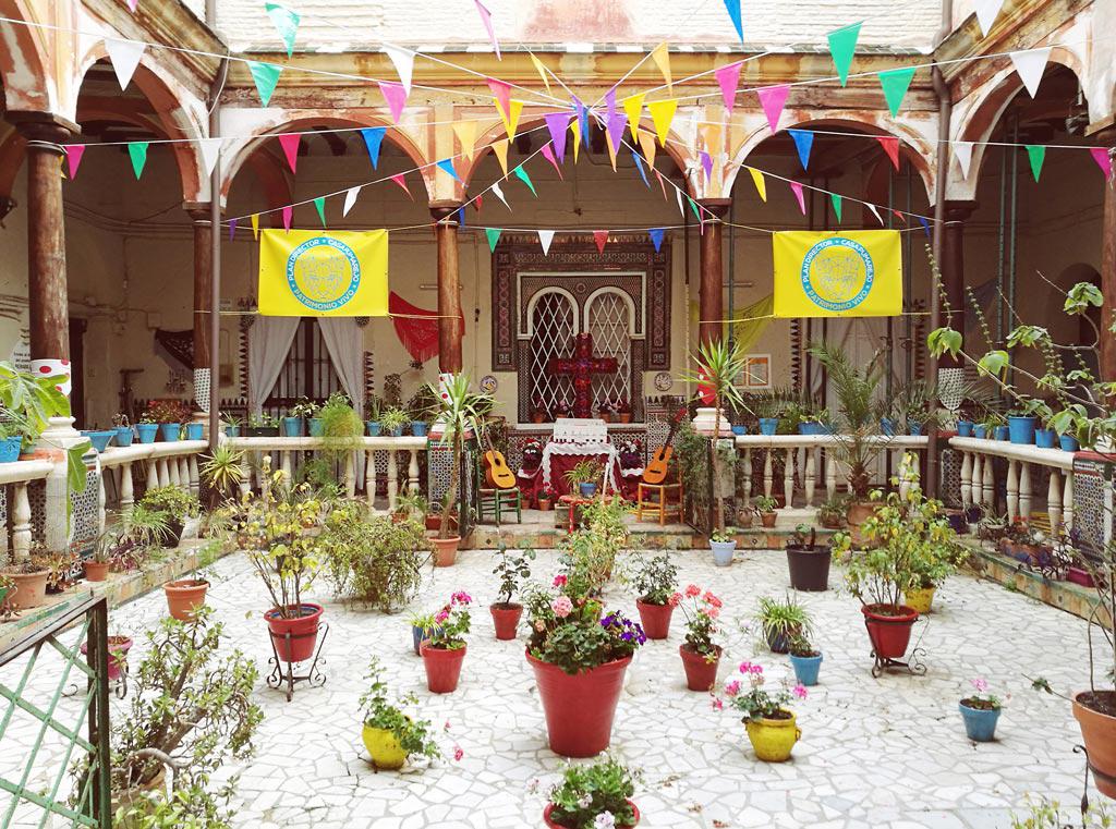 Casa Grande del Pumarejo con Isabel Jiménez López en el XXV Encuentro de la Red de Centros de Documentación y Bibliotecas de Mujeres. UyM y Violeta Asensio.