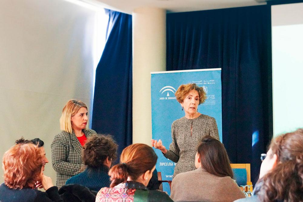 Carmen G. de la Cueva y Aure Daza. Encuentro de Clubs de Lectura de Andalucía. Generando narrativas, compartiendo lecturas.