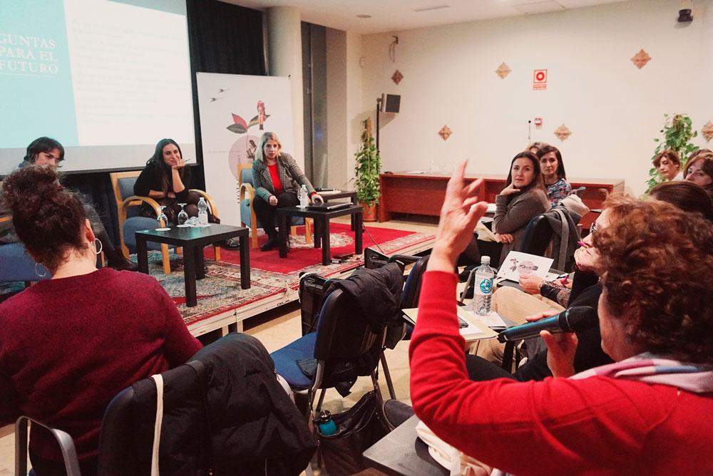 Sara Mesa y María Sánchez .Encuentro de Clubs de Lectura de Andalucía. Generando narrativas, compartiendo lecturas.